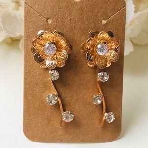 Jewelry - 18k gold plated flower earrings